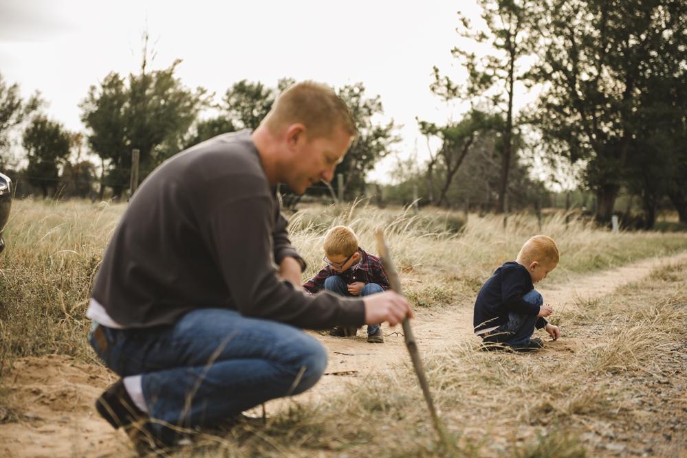 boys-and-dad-spokane-photographer